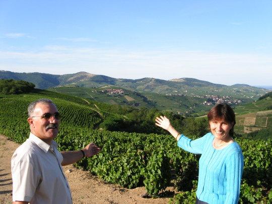 Viticulteurs & producteurs de Beaujolais, Crus du Beaujolais Côte de Brouilly. Marie-Claire & René TACHON, Domaine de la Merlette, vente de vins; gamay 69460 VAUX EN BEAUJOLAIS (CLOCHEMERLE) FRANCE