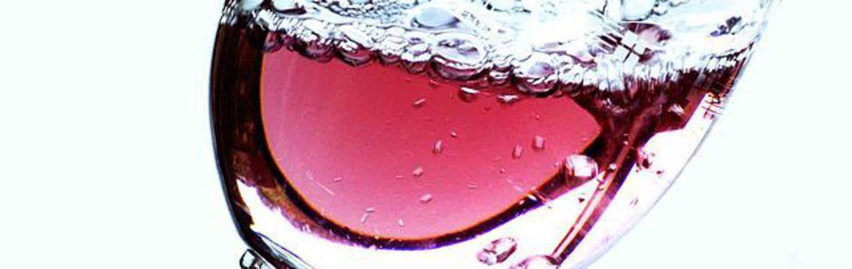 Vins rosés, viticulteur, viticulteurs, viticulteur beaujolais, beaujolais, domaine, domaine de la merlette, beaujolais villages, cru beaujolais, vin sur internet, tachon, vente de vin, aoc, vins, cépage, oenotourisme, gamay, côte de brouilly, vin, vins rouge, crus, beaujolais blanc, beaujolais nouveau, villages, rosés, côte, vignoble, crus du beaujolais, terroirs, été, arômes, blanc,  appellation, vin de garde, beaujolais rosé, beaujolais nouveau, bouteille, producteur, domaine merlette, merlette, bourgogne